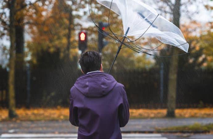 Narandžasto upozorenje zbog olujnih udara vjetra južnog smjera