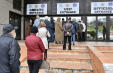 Počela vakcinacija starijih od 75 godina u Sarajevu, građani polako ulaze u Zetru
