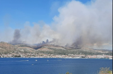 Hrvatska: Veliki požar kod Trogira, na terenu više od 160 vatrogasaca